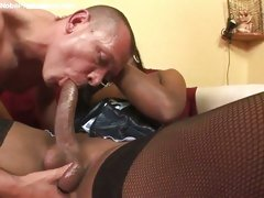 Shemale object her big bushwa sucked by stud